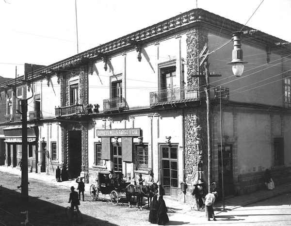 Vista de la casa del Conde de Heras Soto en Mexico