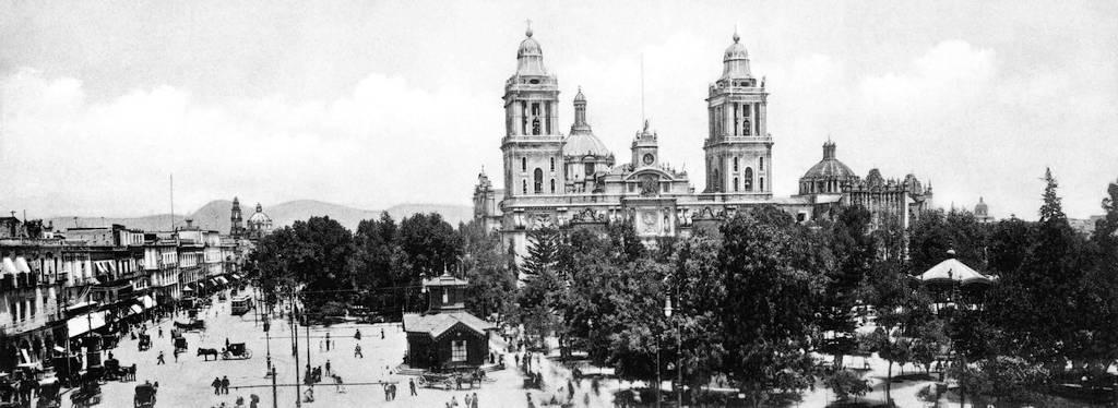plaza de armas ciudad de Mexico