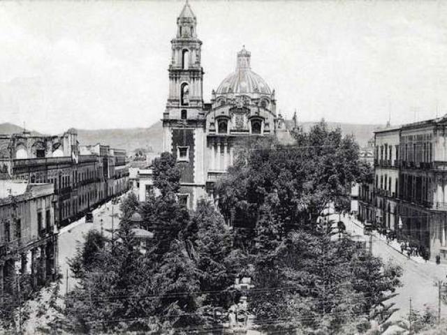 Plaza de Santo Domingo Ciudad de Mexico