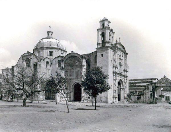 Vista de la Iglesia de San Francisco en Cuernavaca
